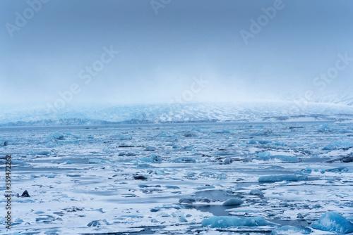 Beautiful view of icebergs in Jokulsarlon glacier lagoon, Vatnajokull National Park, Iceland © Milosz Maslanka