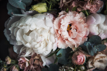 Panel Szklany Peonie Beautiful flower arrangement made out of peonies, lisianthus and eucalyptus