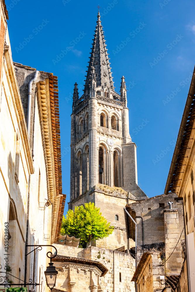 Fototapeta Saint-Emilion in east Bordeaux, Francie