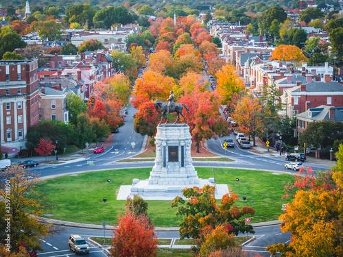 Fotografie, Obraz Fall over Monument Avenue in Richmond, Virginia