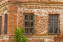 Abandoned House, Old Windows W...