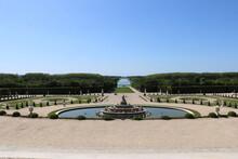 Vue Et Perspective Des Jardins Du Château De Versailles