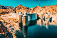 Famous And Amazing Hoover Dam ...