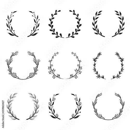 Fotografía Various round floral and laurel frames set