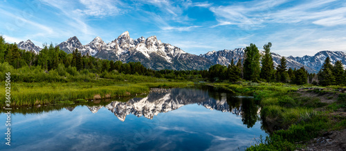Reflection of the Grand Teton Mountain Range in Grand Teton National Park (1) Canvas-taulu