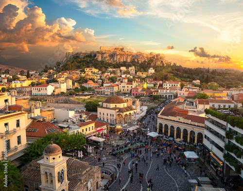 Photo The beautiful city of athens with the akropolis above