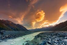 Tasman Lake,  Mount Cook Natio...