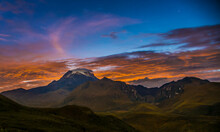 Amanecer En Las Montañas Del ...