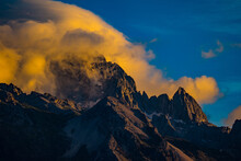 Jade Dragon Snow Mountain Liji...
