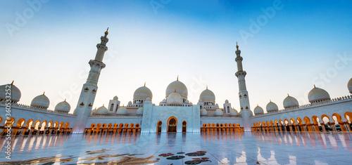 Sheikh Zayed Grand Mosque in Abu Dhabi panoramic view Fototapet