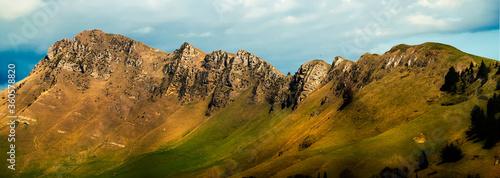 Fototapeta The stunning ridge of Te Mata Peak