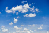 Fototapeta Na sufit - beautiful blue sky and white fluffy cloud horizon outdoor for background.