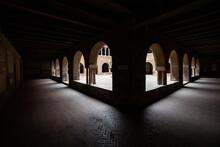 Santo Stefano, Bologna, Chiost...