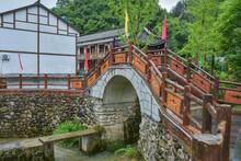 Old Houses And Stone Bridges I...