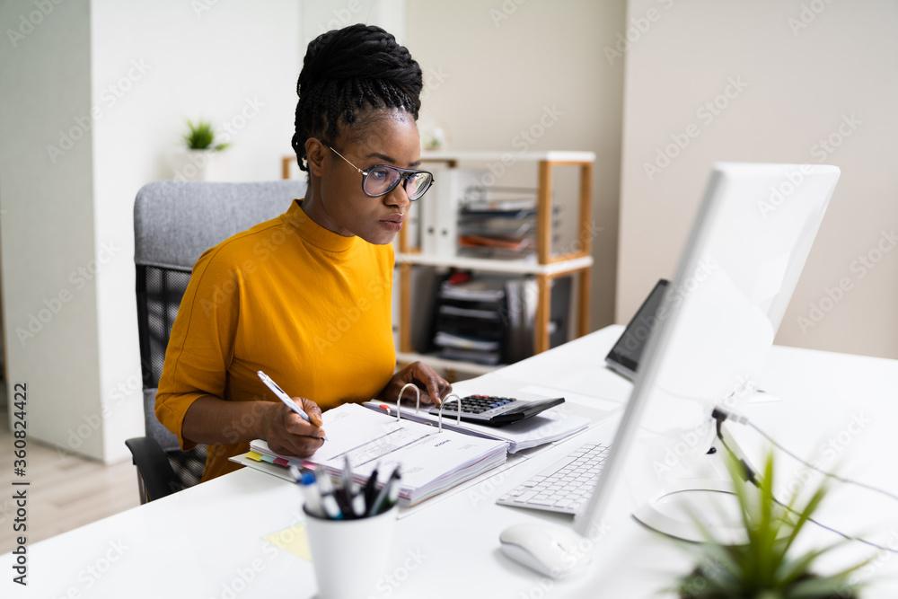 Fototapeta African American Business Accountant