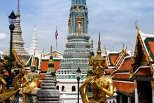 Golden Chedi, Temple Wat Phra ...