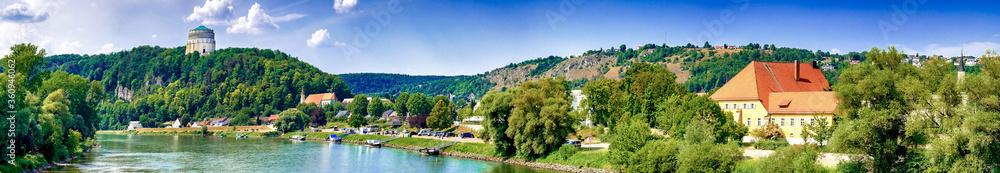 Fototapeta Kelheim mit Befreiungshalle und Donau, Bayern, Deutschland