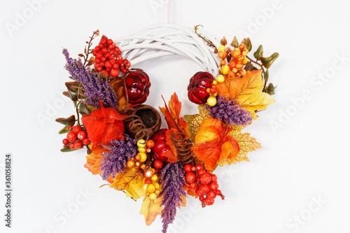 Obraz Wiązanka jesienna na białym tle - fototapety do salonu
