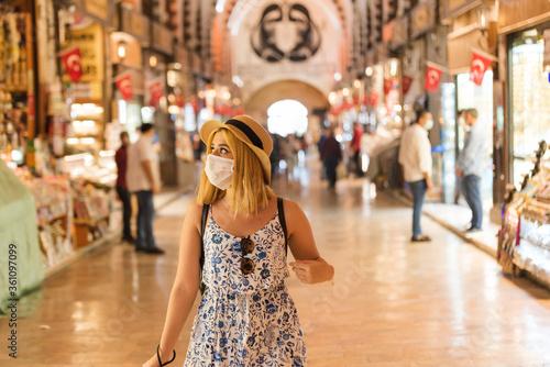 Young woman walks in Egyptian bazaar in Istanbul,Turkey Slika na platnu
