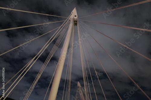 Fototapeta premium Słupek zawieszenia mostu