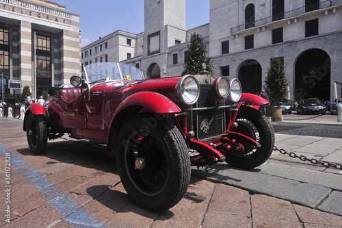 alfa romeo 6c 1500, vintage sportscar from italy