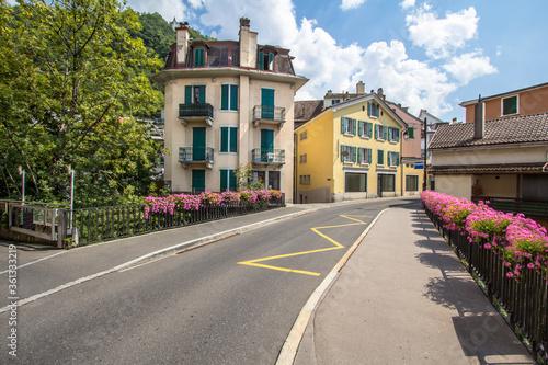 Cuadros en Lienzo Old city Montreux, Switzerland