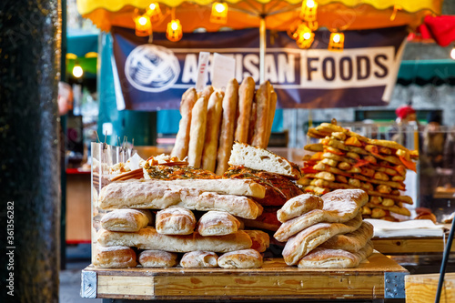 Canvas Print Freshly baked breads on display at Borough Market, London