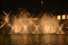 Dubai Fountain Dancing