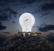 Light Bulb With Wind Turbine I...