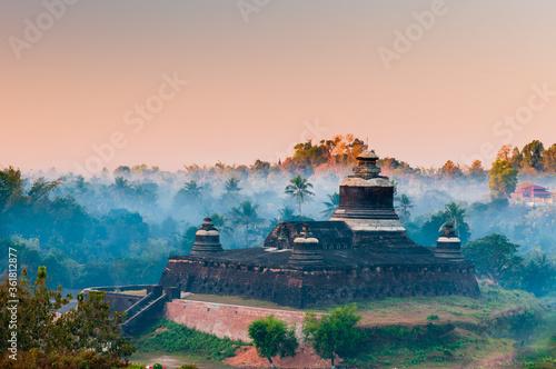 Valokuvatapetti Mrauk U (small Bagan) the ancient Rakhaing capital
