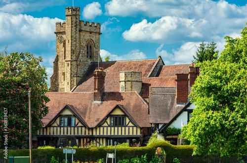 Photo St Mary's Church in Leigh, near Tonbridge in Kent, England