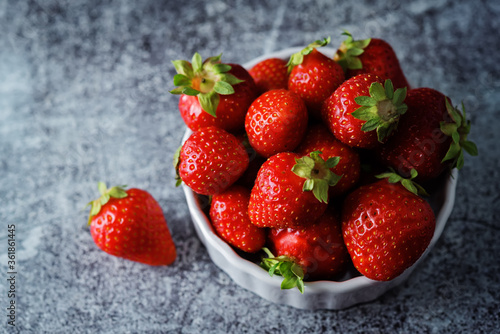 Fotografie, Obraz Raw fresh strawberries on a light background