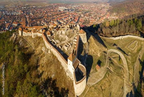 Fotografia Aerial drone panoramic view of Historical fortress in Risnov or Rasnov
