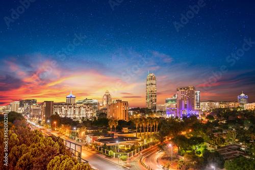 Fototapeta premium Miasto Sandton nocą, zmierzch i gwiazdy na niebie