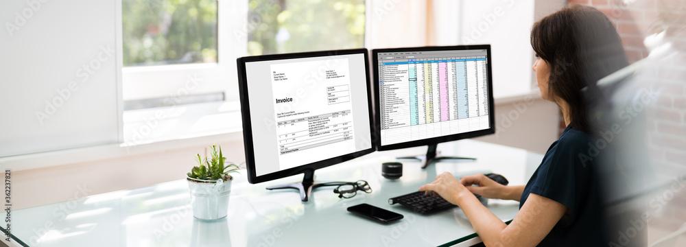 Fototapeta Analyst Working With Spreadsheet