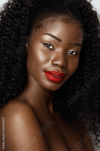 Tablou Canvas Beautiful model with curly hair and perfect skin