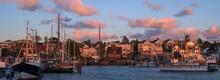 Maritimes Flair Am Hafen Von L...
