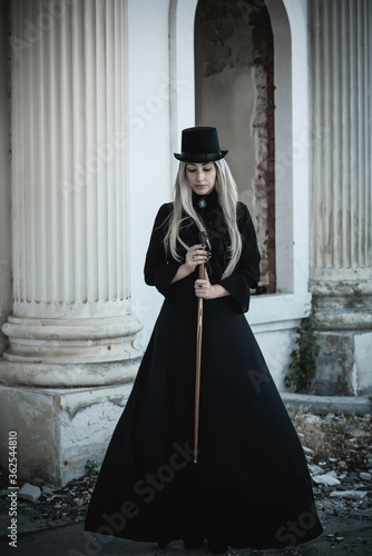 Perfect gothic atmosphere, inspiration dark victorian style, Halloween ideas for party Fototapet