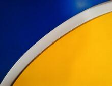 Close-up Of Yellow And Blue Wa...