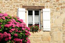 Maison Bretonne Et Hortensias ...