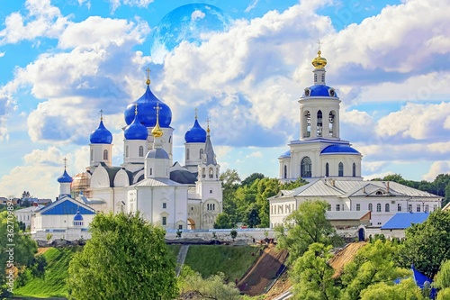 Canvas Vibrant Panoramic View Of Famous Orthodox Church In Vladimir Region With Full Mo