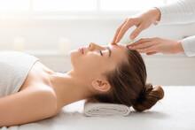 Acupressure Head Massage For Y...