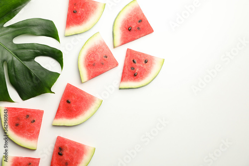 Fotografía Composition with fresh watermelon slices on white background, top view