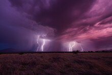 Multiple Lightning Strikes Vie...