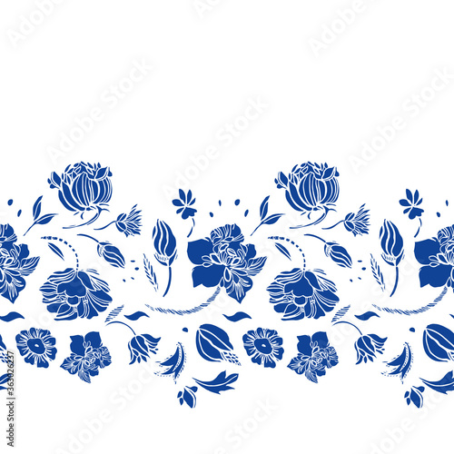 Photo Vector classic porcelain blue royal hand drawn elegant floral seamless border with blue cutout florals on white background