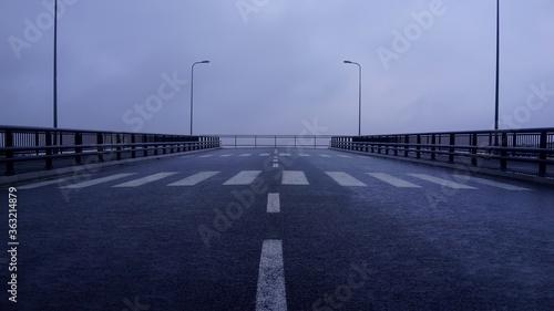 Obraz na plátne Endless bridge
