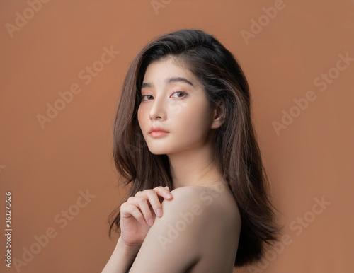 Fototapeta Beautiful asian woman with a beautiful face obraz