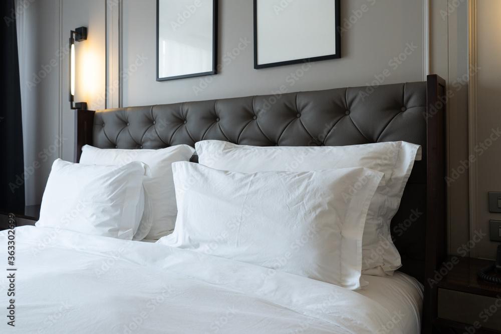 Fototapeta High Angle View Of Bed