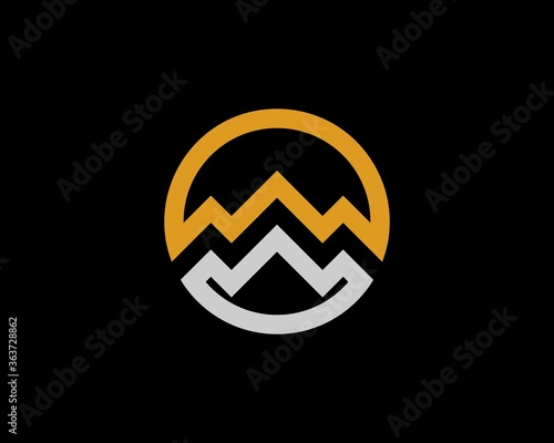 Fotografia Gold and silver circle with abstract mountain