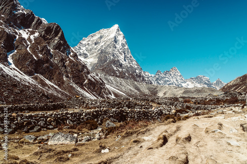 Beautifull Khumbu valley mountains landscape at the Everest Base Camp trek in the Himalaya, Nepal Wallpaper Mural
